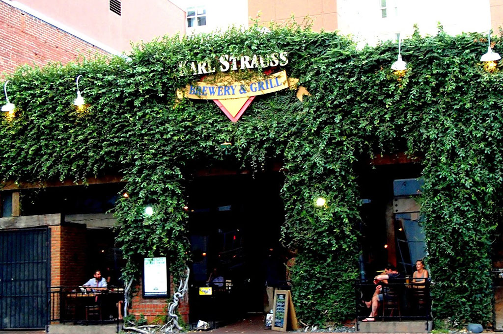 Karl Strauss Downtown Brewing Company Top Cali Craft Beer Good Eats San Diego Mike Puckkett DDM 1