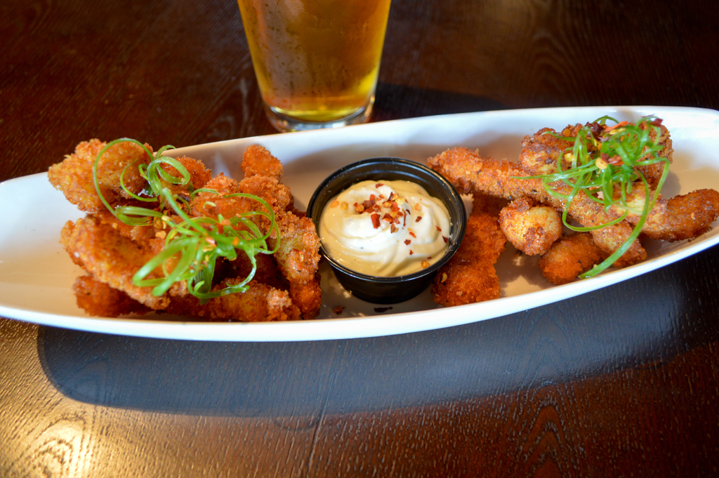 common-theory-public-house-good-eats-san-diego-california-mike-puckett-gesdw-4-of-39